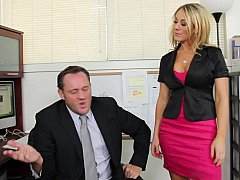 Amber Ashlee receives called earn her boss's office
