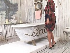 Jasmine Dark screwed in the bath
