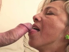 Hawt mother-in-law enjoys load of shit riding